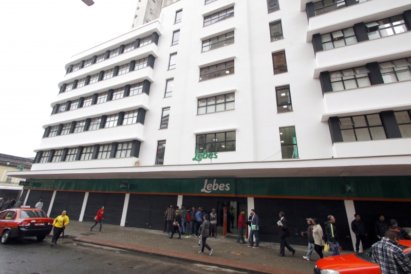 8b3d744f2 A Lojas Lebes vai abrir sete filiais em 2018. A primeira do ano estreia  nesta sexa-feira em Rio Grande, no Sul do Estado. Hoje a rede tem 150  lojas, ...